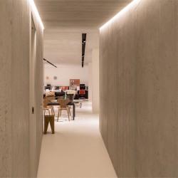 Panbeton® - Couloir panneaux muraux béton