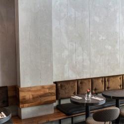 Panbeton® - Mise en scène panneau mural béton restaurant