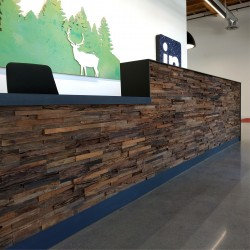 Wonderwall Studios - Habillage en bois bureau Jagger