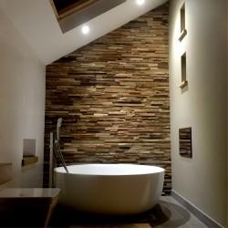 Wonderwall Studios - Revêtement mural bois salle de bain