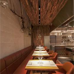 Wonderwall Studios - Habillage mur et plafond bois restaurant