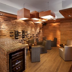 Wonderwall Studios - Panneaux muraux bois cave